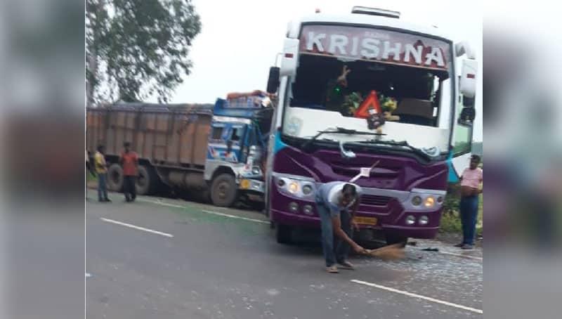 Bus turns turtle in Bankura, 20 injured