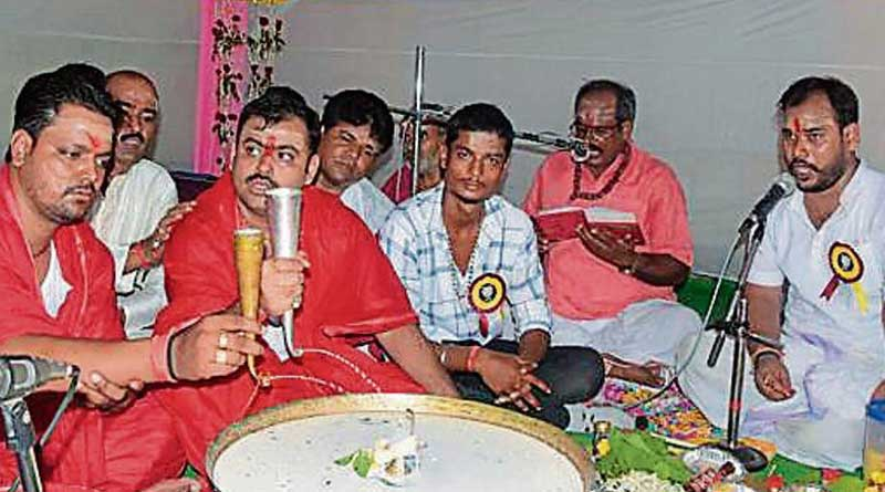 Dhanbad Municipal Corporation took part in a 'bhoot bhagao' havan to chase away the 'ghost of a woman'