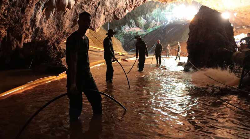 8 footballers rescued from the cave, 4 more stuck