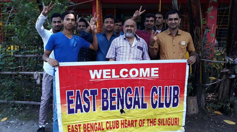 Man celebrate East Bengal IFA shield in an unique way