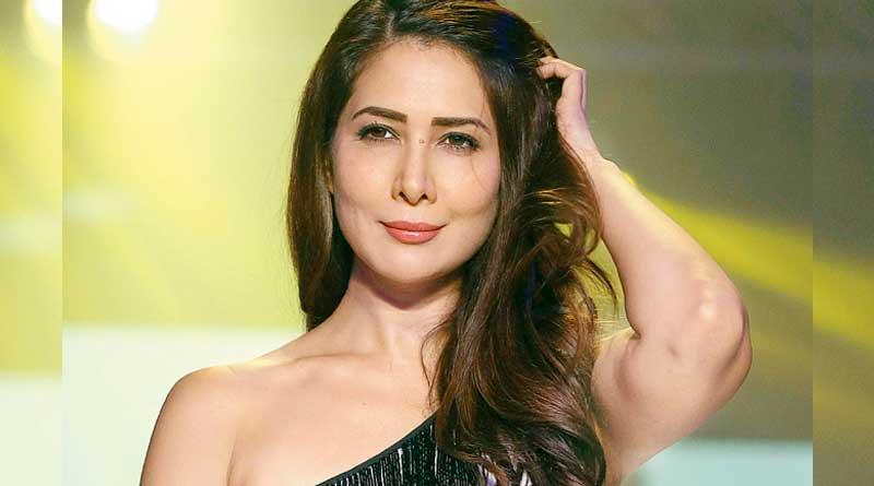 Kim Sharma 'assaults' maid over laundry goof up