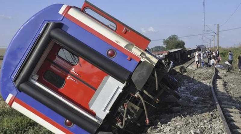 Train accident in Turkey, 10 dead