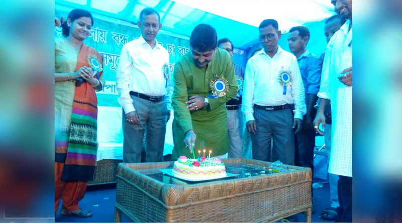 Trinamool leader Sourav Chakraborty Celebrat his birthday party with tea-garden workers