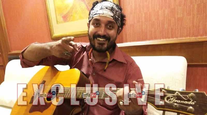 Debdeep Mukherjee to sing in Manojder Adbhut Bari