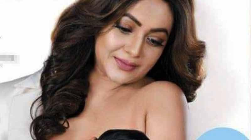 Magazine cover features Sreelekha Mitra breastfeeding