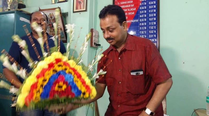 Braving death Shyampur OC returns to duty