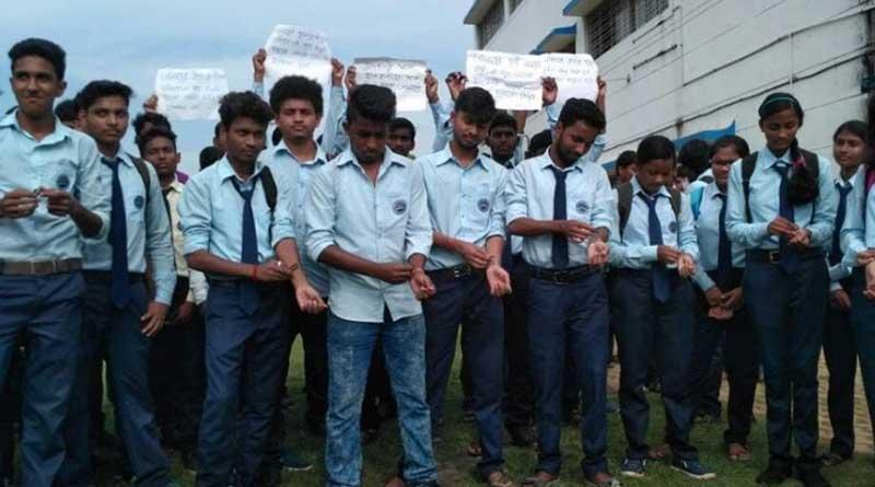 Kolaghat Government Polytechnic student slashes hand against teacher's transfer
