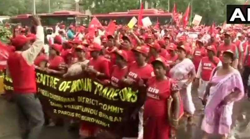 Left organizations hold massive rally in Delhi