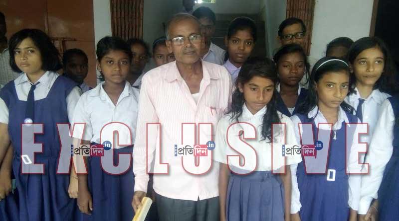 Kalna teacher donates monthly salary to school