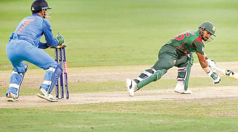 Bangladeshi fan unhappy with Litan Das's wicket