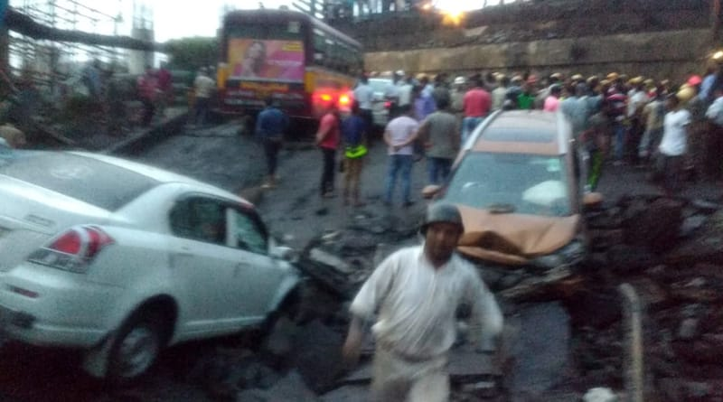 Rain hinders Majerhat bridge collapse rescue