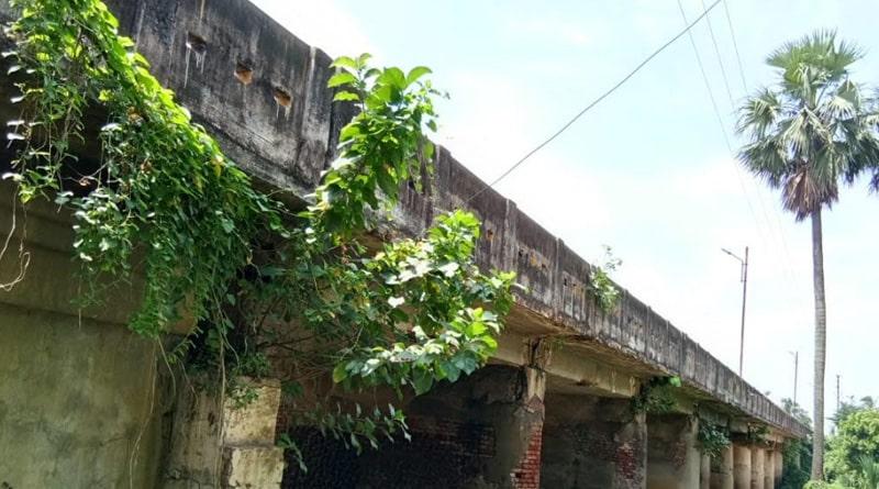Birbhum, Burdwan and Hili bridge are in danger