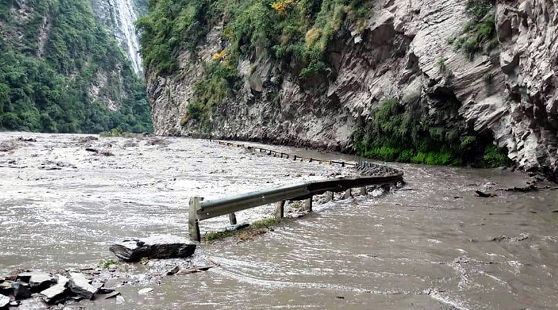 Many Bengali tourist trapped in Ladakh due to natural calamity