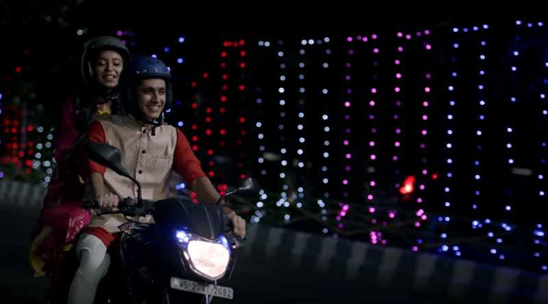 kolkata Traffic Police Used Pantaloon's advertisement for 'Safe life, Save Drive' campaign