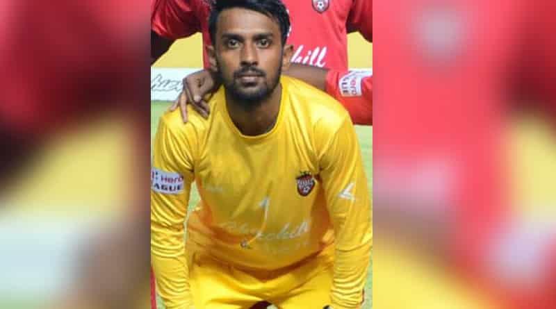 Anti socials hurl bomb at footballer Priyant sing's home in Kamarhati