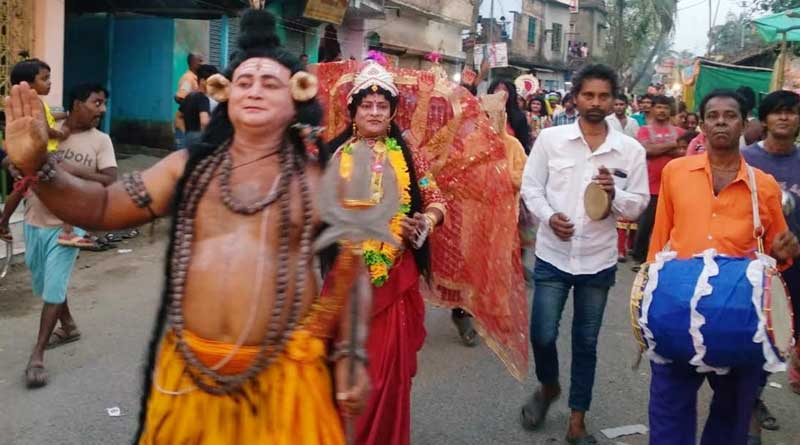 Lakshmi Puja carnival is organized by Howrah