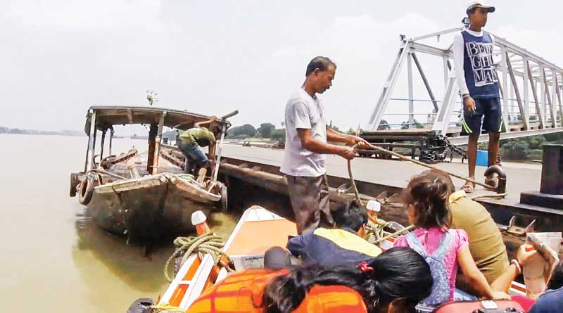 Boat services from Belur Math to Dakshineswar stopped