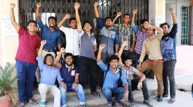 Burdwan Homiopath student showing agitation against hostel supar