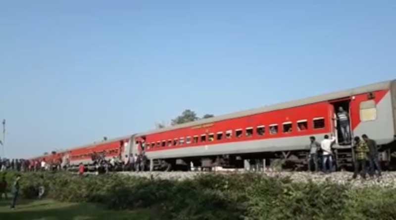 Tinsukia-Bengaluru express engine detached