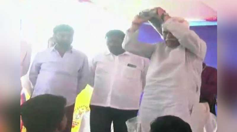 Karnataka Minister, In A 'Hurry', Throws Kits At Sportspersons