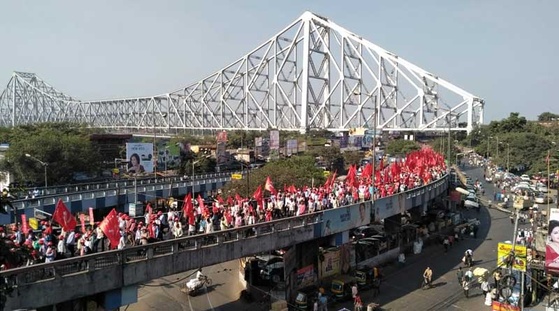 Road jam in Left march