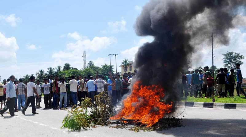Bandh protesting Tinsukia massacre stalls Assam
