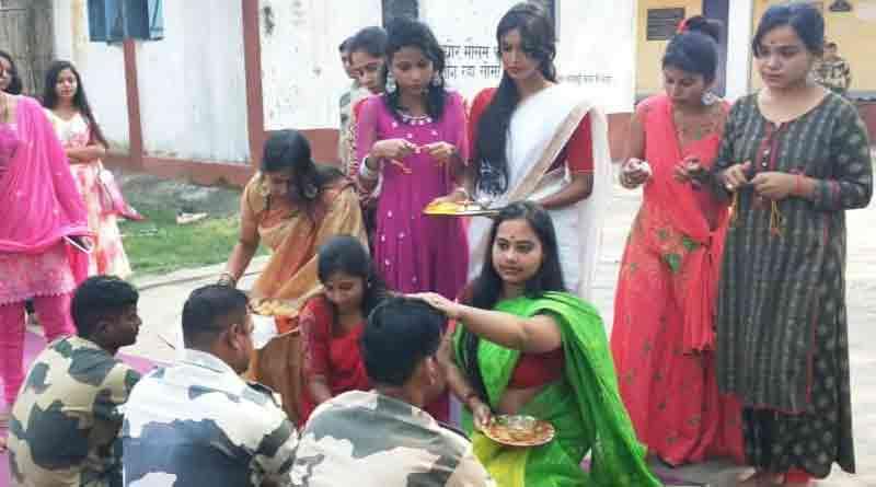 Students celebrates Bhai Dooj with Jawans