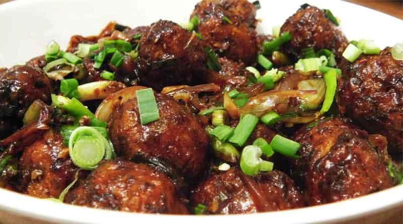 Chicken found in Veg Manchurian