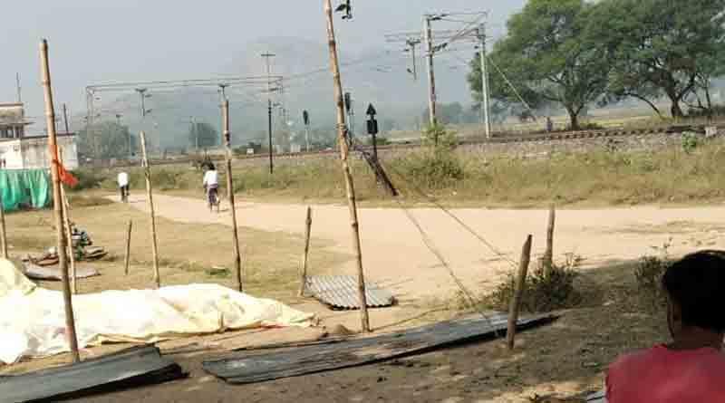 Yatra beside railway track in Purulia