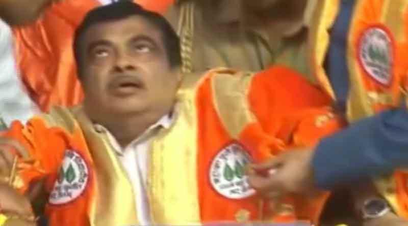 Nitin Gadkari faints on stage