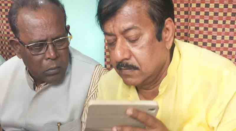 Food minister Jyotipriyo Mallick has been attacked at Birati
