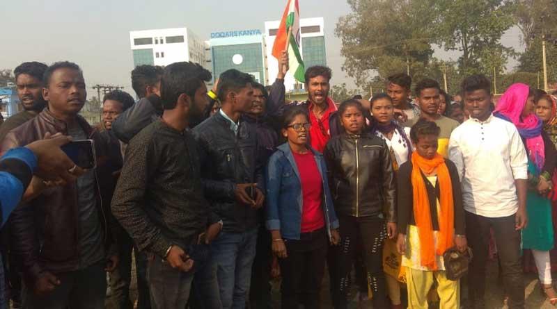 Tea garden workers support Alipurduar DM