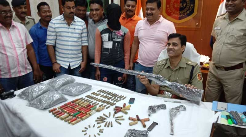 Huge coache Of armrs recoovered in Baruipur, one arrested