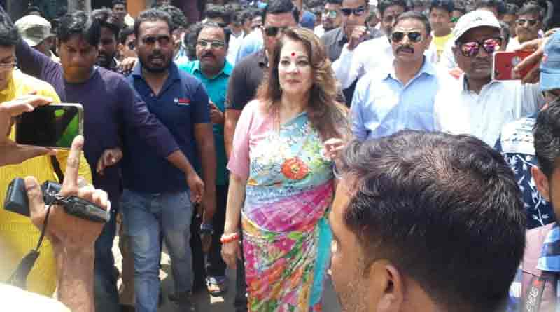 Munmun Sen spent time at election campaign in Asansol on her mother's birthday