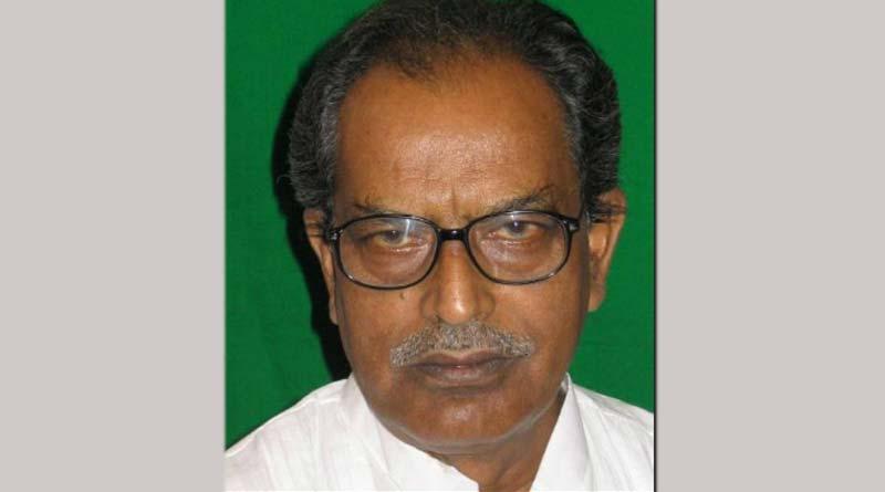CPIM leader Tarit Baran topdar attacks a journalist