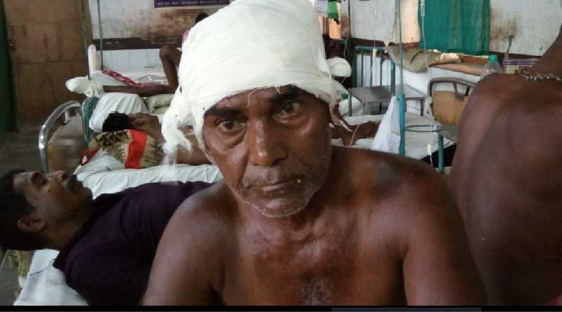 An old man has been beaten by his nephew in Bongaon