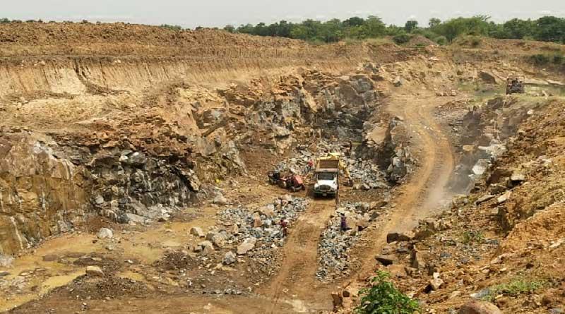 Illegal stone mining in Bankura, cops look other way
