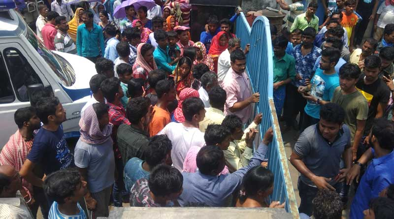Patients storm Burdwan Medical College for not receiving treatment