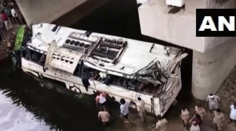 Bus falls Off Yamuna Expressway Into Gorge near Agra, 29 killed