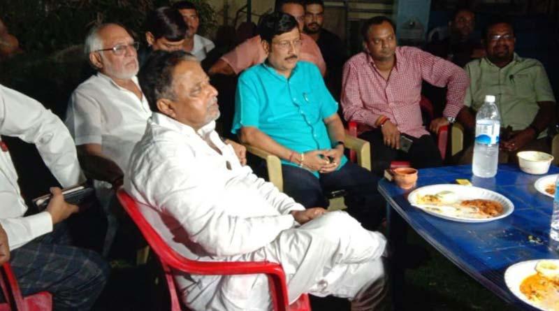 BJP leader Mukul Roy meets Sabyasachi Dutta in Salt Lake