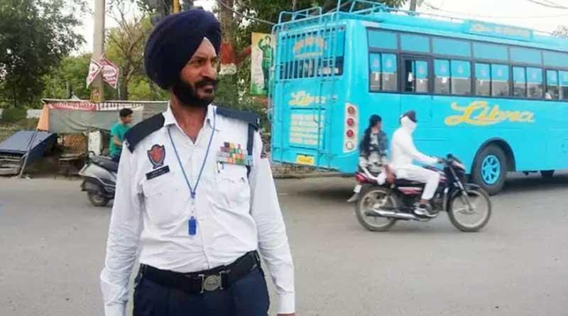 Vir Chakra awardee Kargil braveheart directs traffic