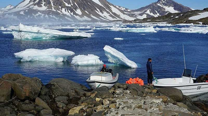 Record heat wave in Europe melts ice of Greenland