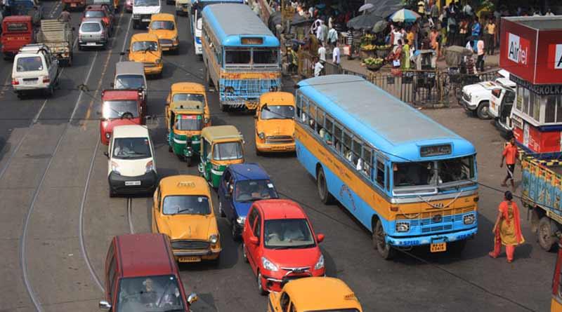 Kolkata Private buses face heat over fleecing passengers | Sangbad Pratidin