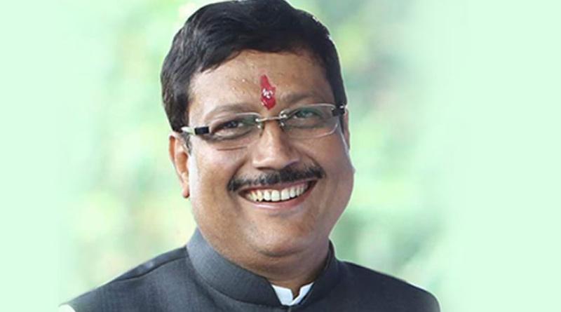 TMC mla Sabyasachi Dutta Joins bjp on Thusedy in Kolkata