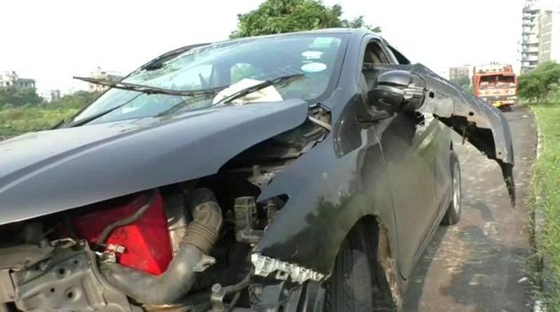 3killed in a road accident at Newtown, Kolkata, 2 got injured