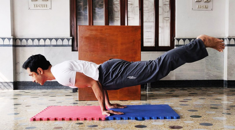Tollywood actor Tota Roy Choudhury practices Yoga