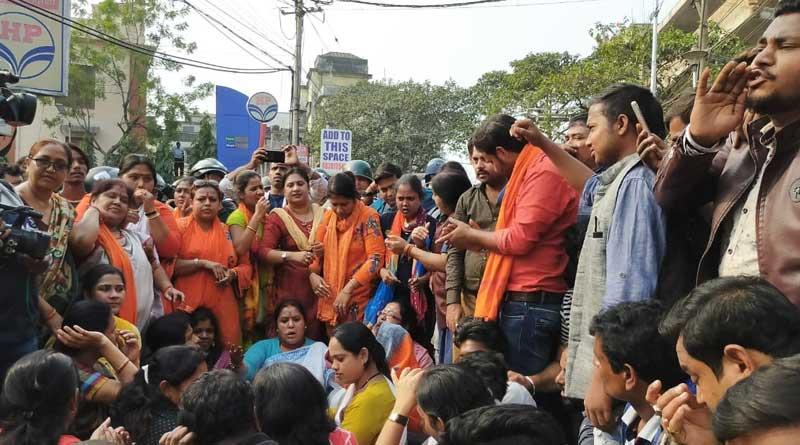 Clash broke out between police and BJP worker in Howrah