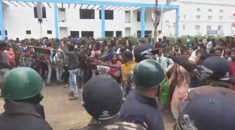 Police attacked in Ashoknagar while trying to control agitated situation