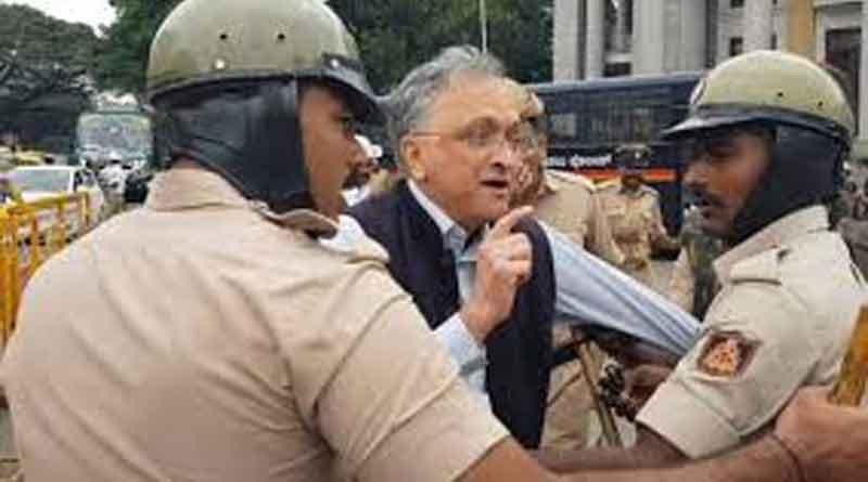 Ramachandra Guha was among 30 protesters detained in Bengaluru