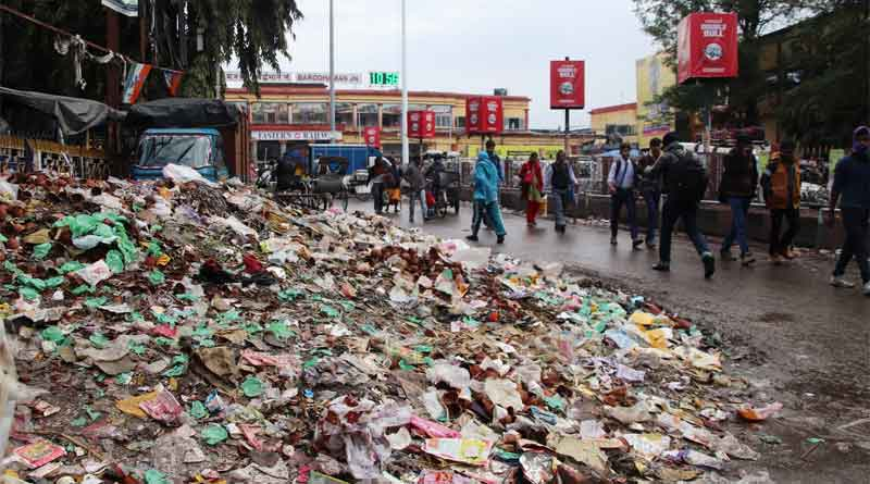 Burdwan station becomes unhygienic for the passengers,